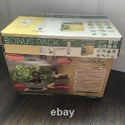 Aerogarden classic with herb and salad dressing kit